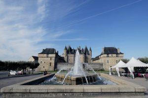 Château de Jumilhac vue place